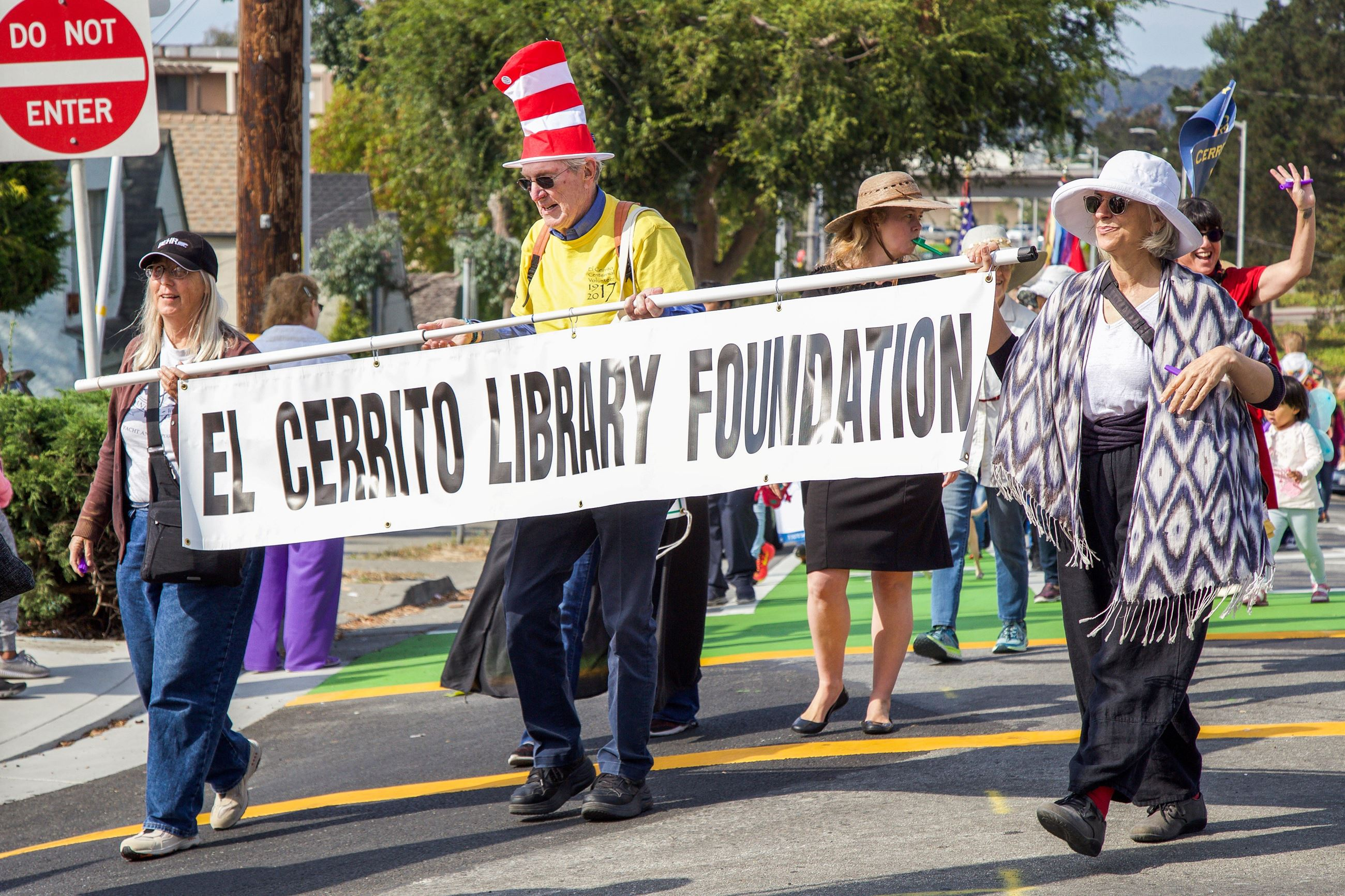 273 Library unit in Parade - Photo by Marin Stuart